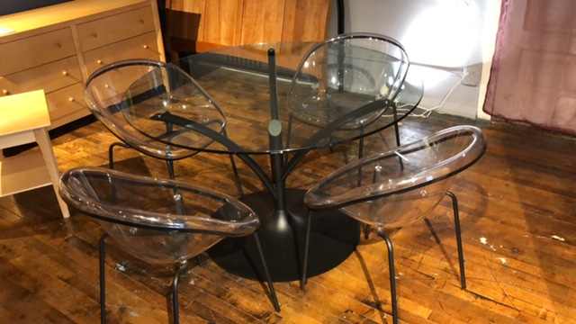 Clearance Calligaris Acacia Table With Four Bloom Chairs $999  AS IS