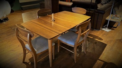 Clearance ECI Mid Century Modern Table With 4 Chairs, & Leaf $699 AS IS IN CARTON