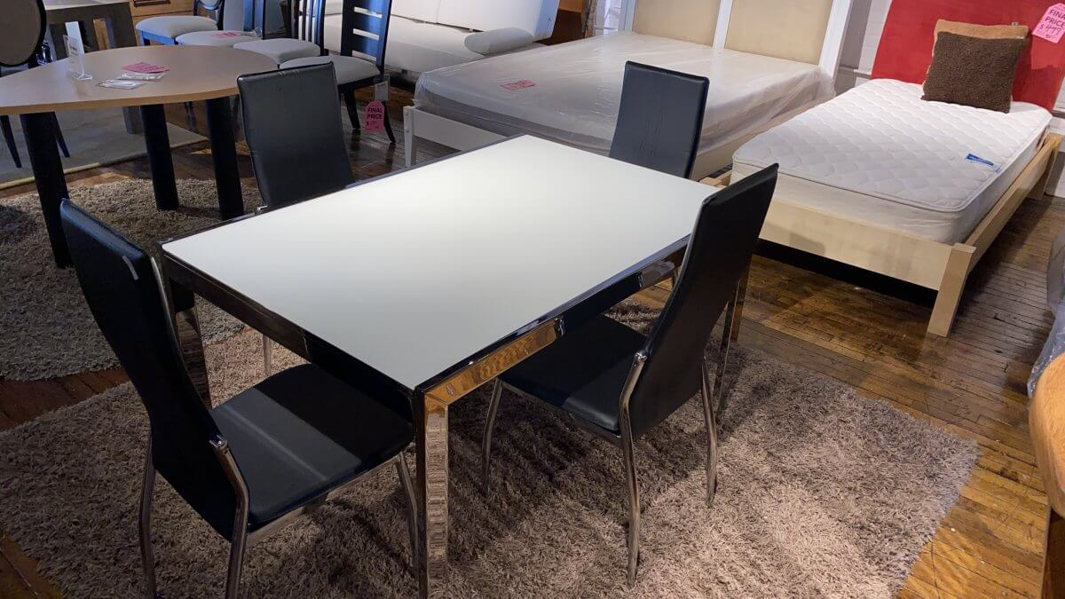 Sale On Calligaris Key Table, And Four Chairs. Brand New $899 Have It Right Away